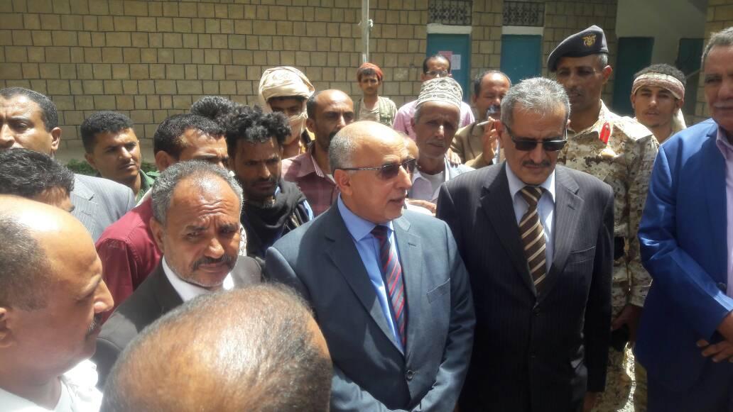 وفد وزاري رفيع المستوى يزور محافظة تعز