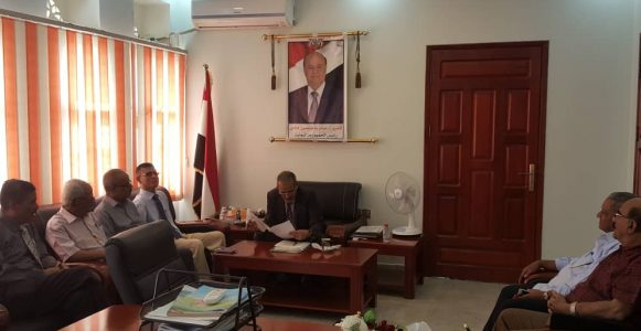 وزير التربية لملس يلتقي بالجمعيةالسكنية لجامعة عدن