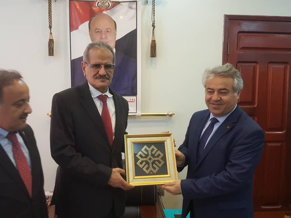 وزير التربية د. عبد الله لملس يلتقي السفير التركي لمناقشة أوجه التعاون المشترك بين البلدين في مجال التعليم