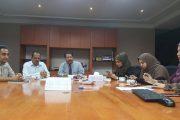 اجتماع اللجنة الوزارية المشرفة على اختبارات الثانوية العامة بمديري المدارس اليمنية بماليزيا