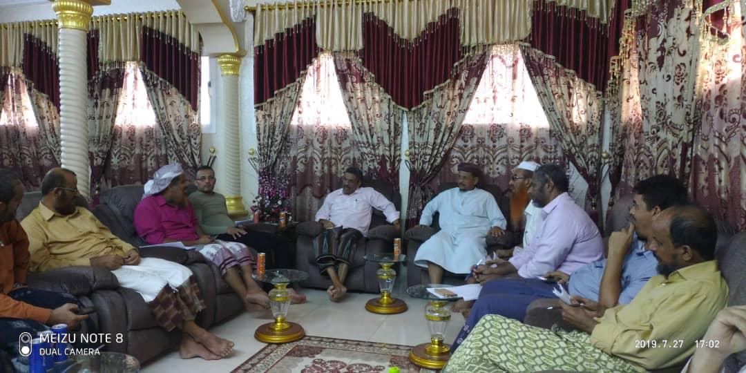 اجتماع المجلس الاهلي لمدينة الشعب لإنشاء مدرسة حكومية نموذجية من منظمة أيادي المسلمين