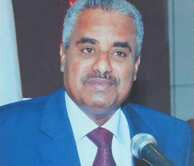 الوكيل بافخسوس يحضر ندوة الوفاء السنوية للراحل الدكتور صالح باصرة