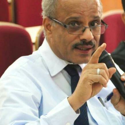 وزارة التربية تصدر تكليفا وزاريا بلجنة وزارية لتأبين الفقيد د. صالح الصوفي وكيل قطاع المناهج والتوجيه