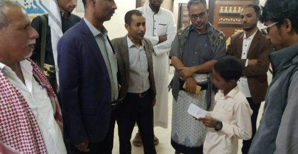 مدير تربية شبوة يتفقد سير الدراسة بمدارس الرياض الأهلية عتق