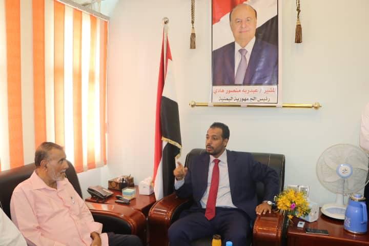 وزير التربية والتعليم العكبري يباشر مهامه بديوان الوزارة في عدن