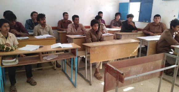مدير مكتب التربية بشبوة  يتفقد سير الدراسة بمدرسة قوبان بعتق