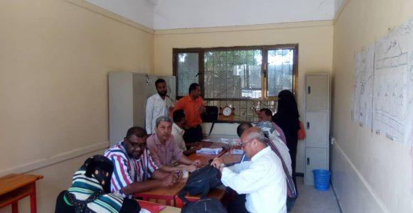 فريق التوجيه المركزي بوزارة التربية والتعليم يزور مجمع بلقيس التربوي للبنات ويشيدوا بإدارته